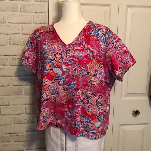 Anne Klein colorful 3X short sleeve V neck tee
